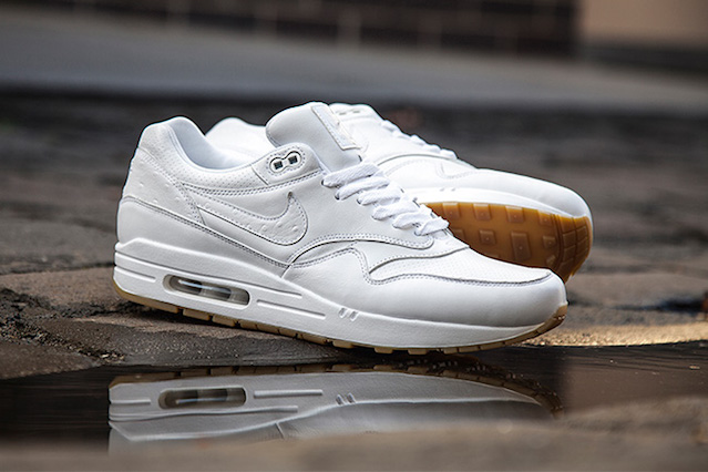 APR_SV_AM1_LTH_WHITE_1