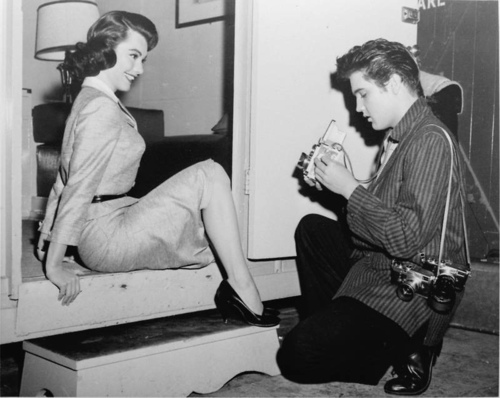 judy-tyler-and-elvis-presley-celebrities-who-died-young-30072228-500-398
