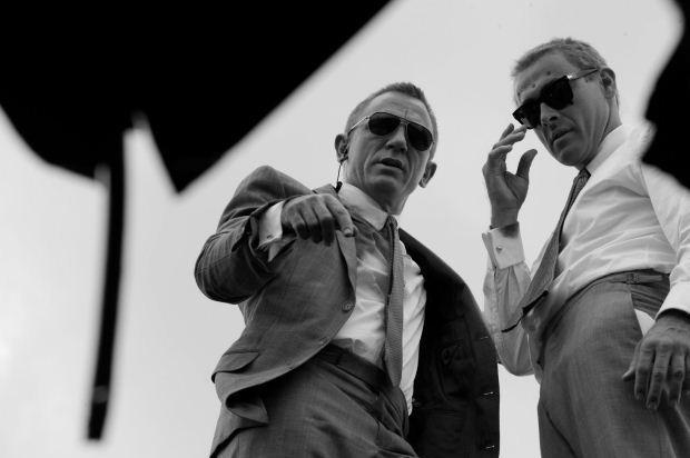 Bond Photo 11