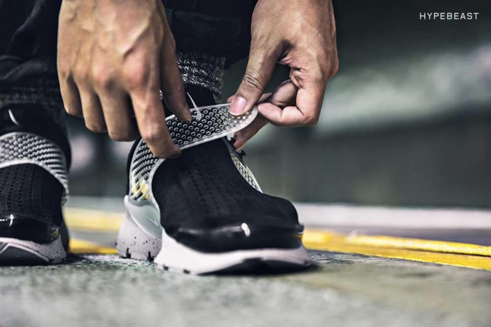 onfeet-fragment-design-x-nike-sock-dart-black-4