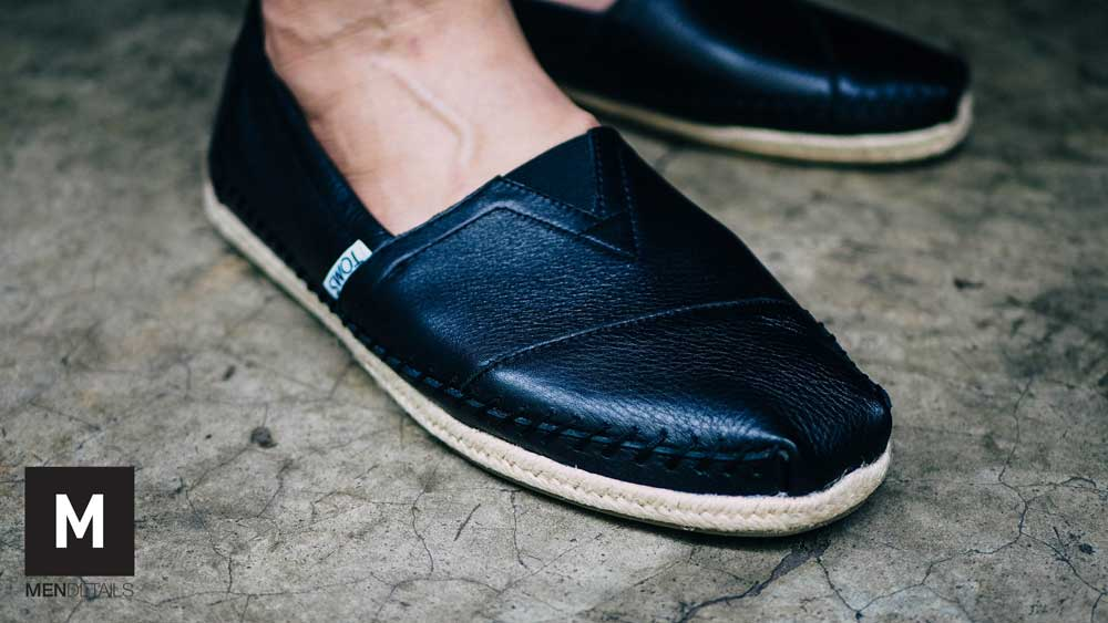 TOMS-classic-black-leather-6