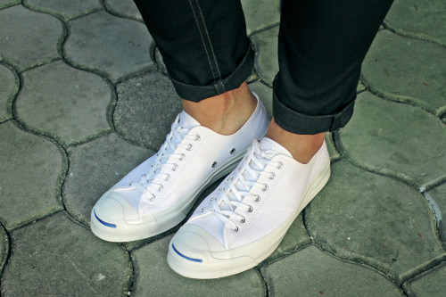 white-sneakers-2