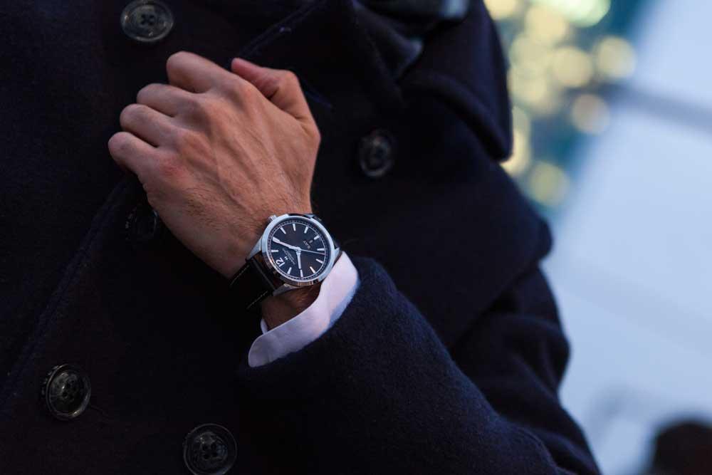 wristshot_h43515735_broadway_original_14947