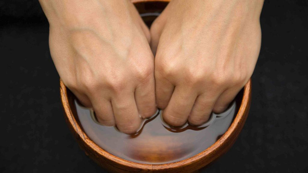 05-men-grooming-ดูแลมือ-hand-and-toe-care-soak