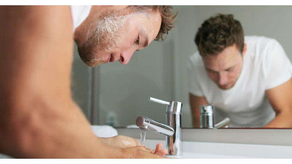 ดูแลผิว PM 2.5 07-men-grooming-pm-2-5-protect-your-skin-face-wash-jan20